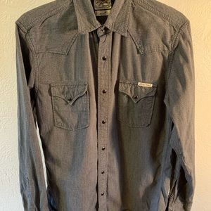 Long sleeve men's button down shirt